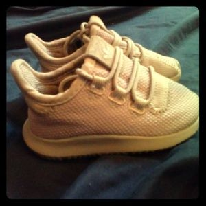 ADIDAS SZ 5K NEWBORN NUDE/TAUPE SHOES GREAT COND!